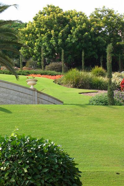32-Baha'i grounds