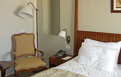 6-Colony Hotel room