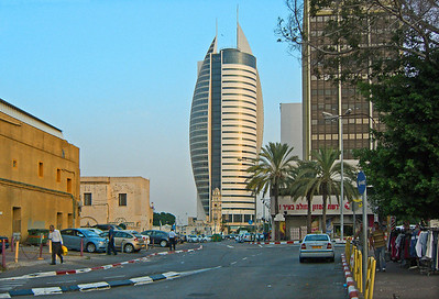 23-The Sail Tower at Kiryat Rabin (the government square) from Natanzon St.