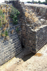 13-Access doorway to the moat (center, bottom).