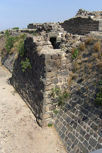 14-Entry to passageway above west moat.