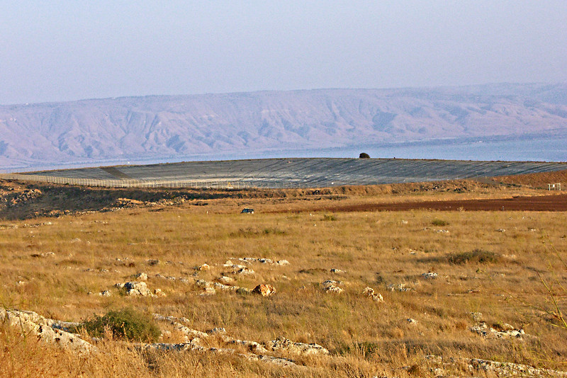 6-Arbel reservoir. There's an SUV in the mid-ground for scale.