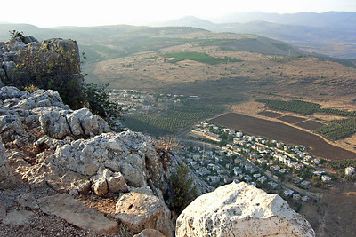 4-Arbel, view to the north across Hamam