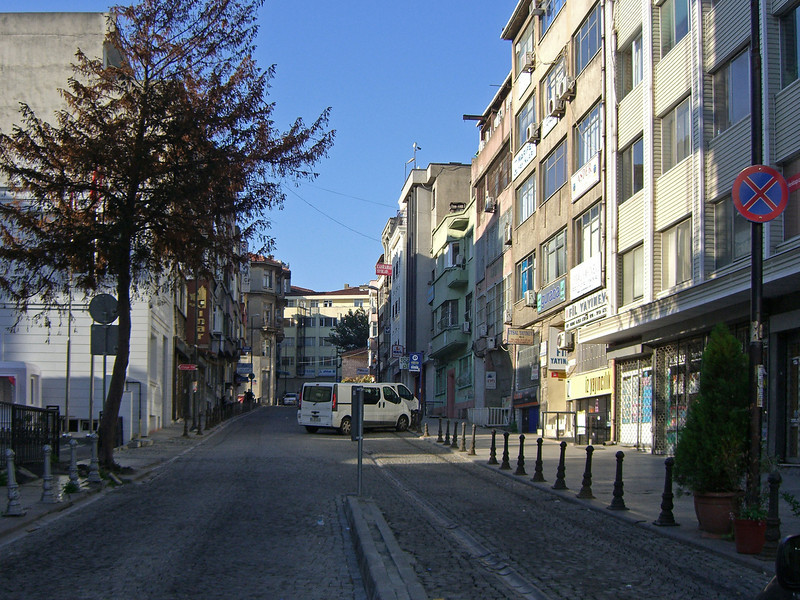 34-Istanbul. Walk out of our hotel lobby, look left down this street  (Çatal Çeshme St, near hotel).