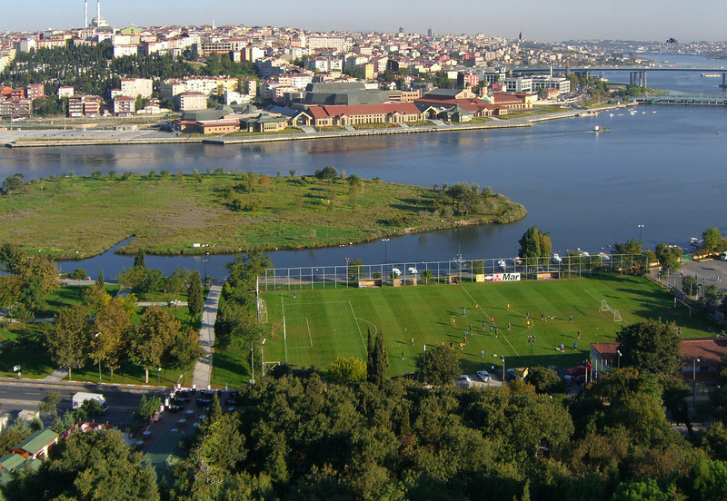 51-Looking north across Golden Horn from Muslim cemetery.