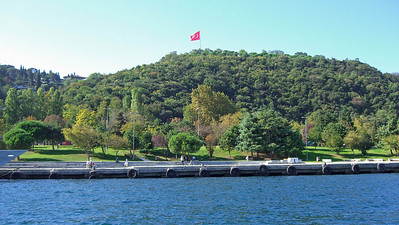 26-Only occasional park land along the Bosphorus shore. This is Cemil Topuzlu Park.