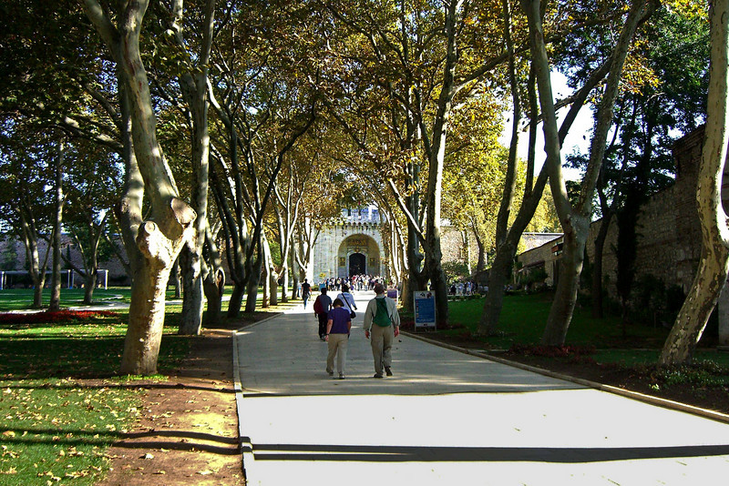 2-Topkapi, the walkway from the Imperial Gate to the Gate of Salutations  (entrance to the Palace)