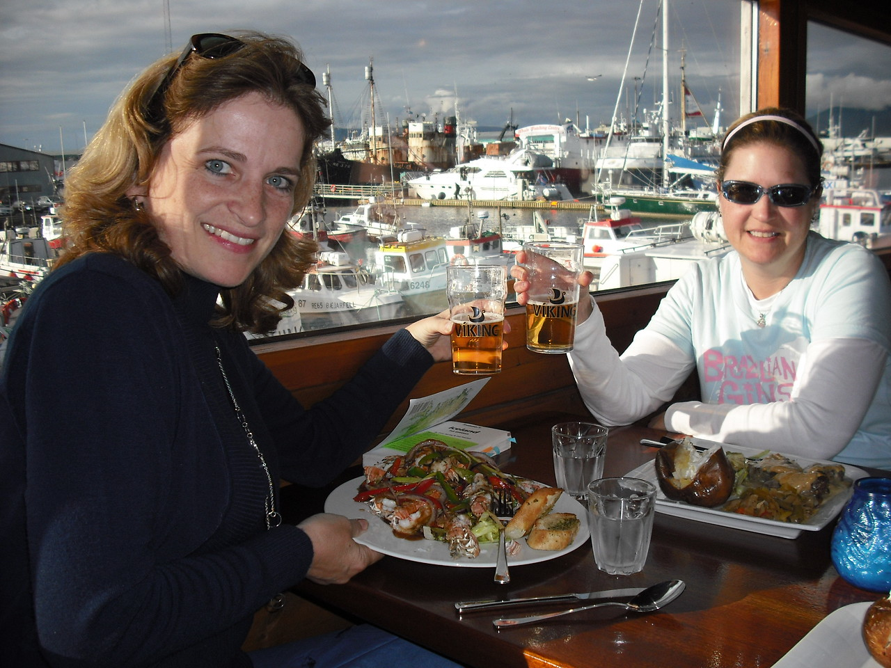 What a disappointment!  The Attache ordered lobseter and got shrimp.  She was pissed!  Hey, that's Jenni there on the right!  Great trip, Jenni!