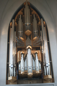 Magnificent organ in Hallgrimskirkja church. We went to a concert Sunday evening.