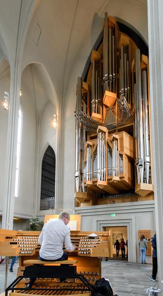 5,275-pipe organ, Hallgrimskirkja, Reykjavik