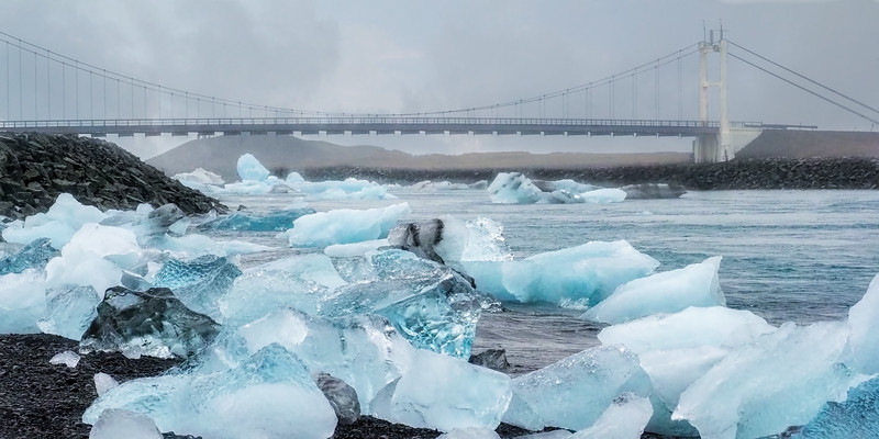 Jokulsarlon Bridge