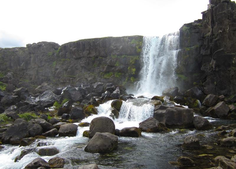 The falls at Þingvellir.