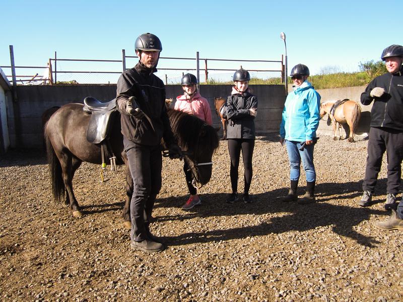 Riding lesson from Orsi, at Íslenski Hesturinn