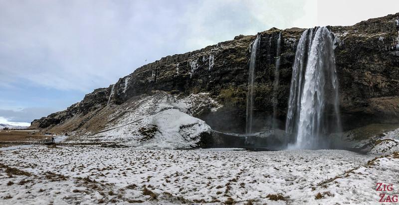 Seljalandsfoss-Wasserfall mit dem Schnee 4