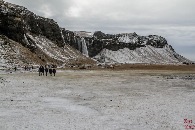 Seljalandsfoss walking path 1