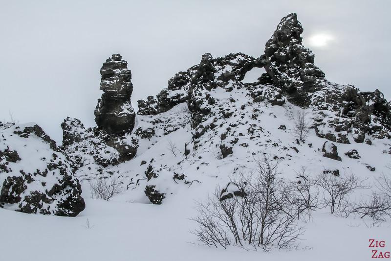 Formations de lave de Dimmuborgir en hiver - photo 1