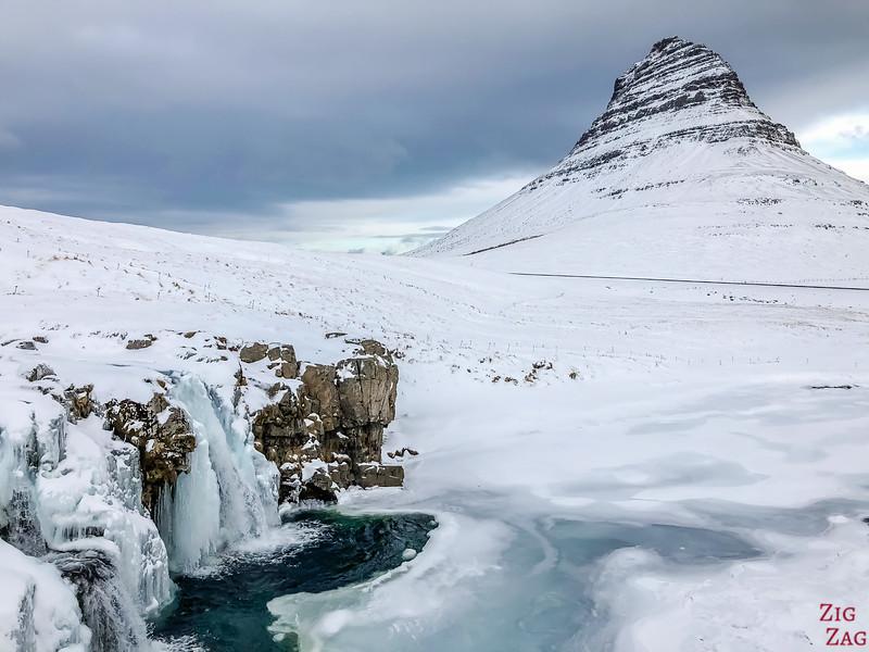 Kirkjufellsfoss in Winter 5