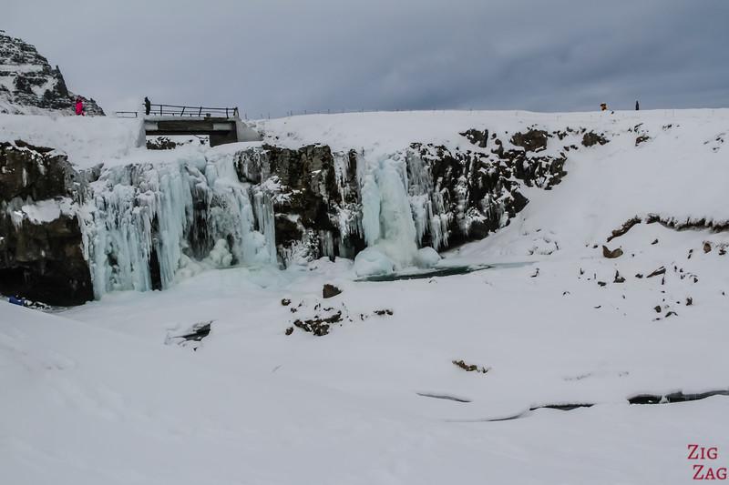 Kirkjufellsfoss in Winter 3