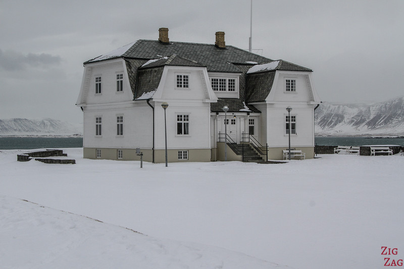 historisches Haus in Reykjavik im Winter