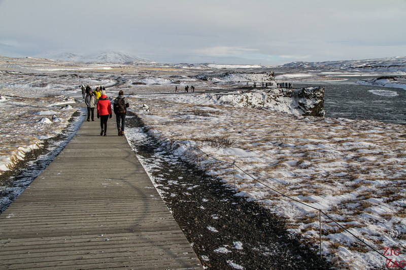 Gullfoss walking path winter