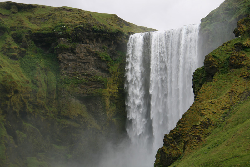 Yes, another waterfall. Waterfalls, waterfalls, waterfalls!!!