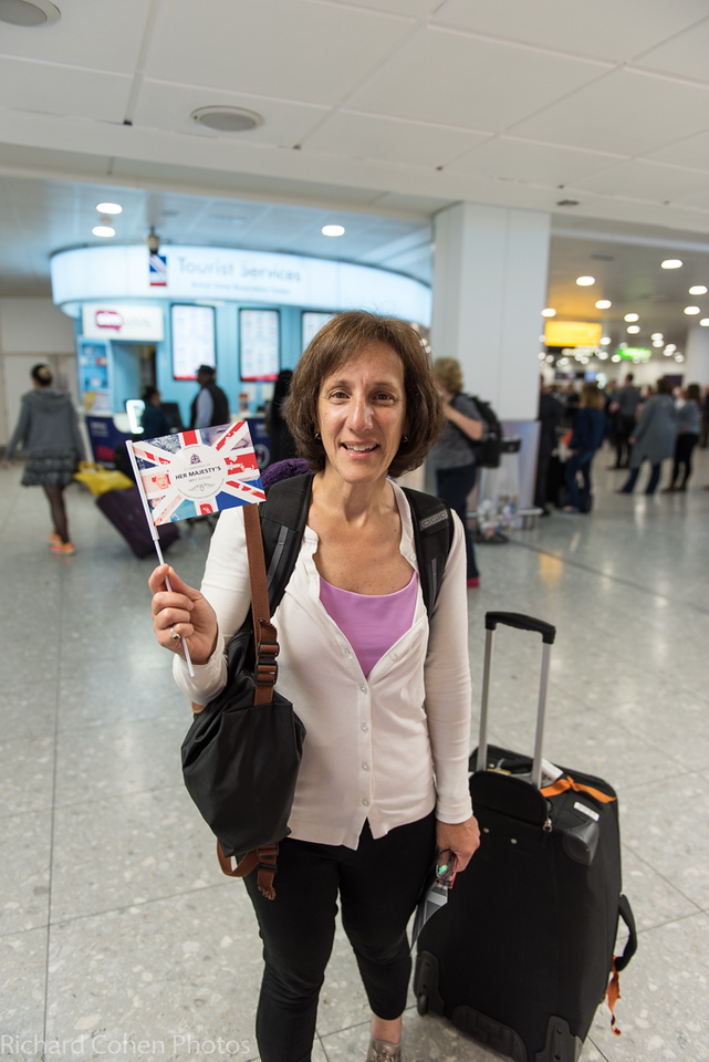Lisa at Heathrow on the way to Iceland after sending her majesty a 90th birthday greeting.