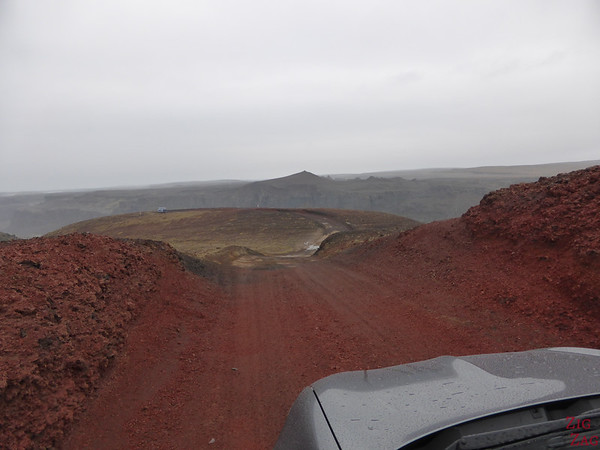 Route pour Hafragilsfoss Parking Islande