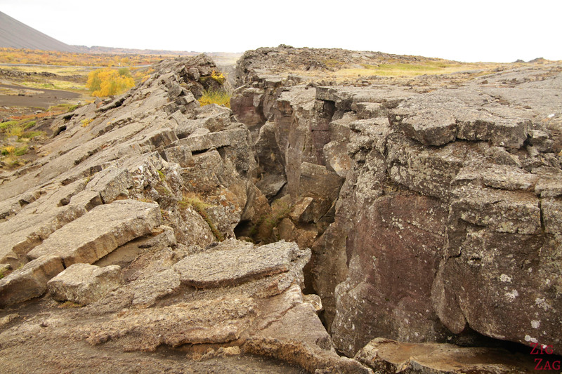 Fissure over Grjotagja cave, Iceland photo 1