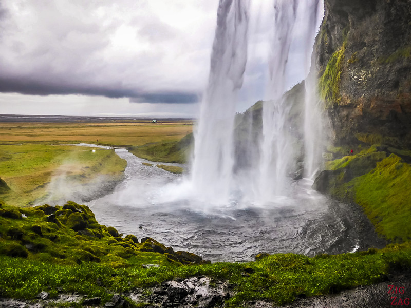 Best attractions Iceland Ring Road - Seljalandsfoss waterfall