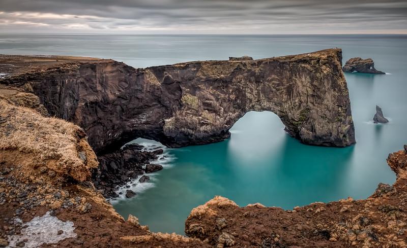 Dyrhólaeyjarviti Cliffs