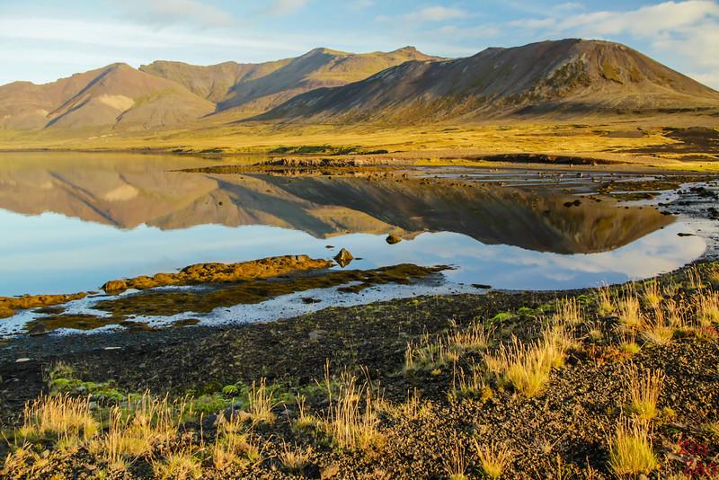 Lac près de Berserkjaharun Islande