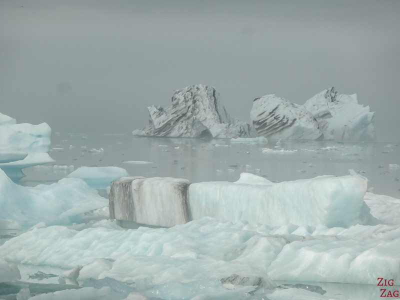 Icebergs at Jokulsarlon lagoon photo 3