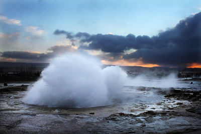 erupting geysir