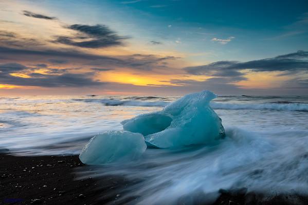 Dawn at Diamond Beach (I)