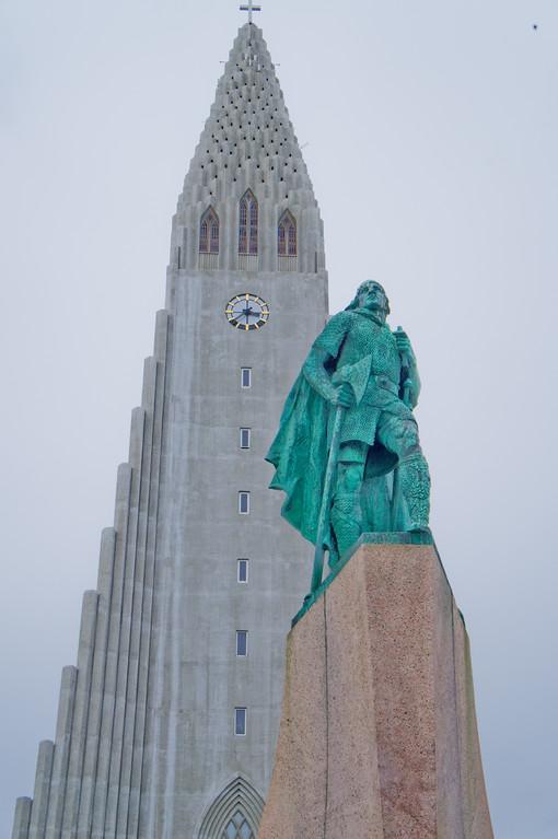 Leif Ericksson statue in front of Hallgrimskirkja, Reykjavik, Iceland
