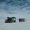 Motorstopp ca tre mil inne på Vattnajökull. Timesvis fra folk.... Med det gikk bra :-)