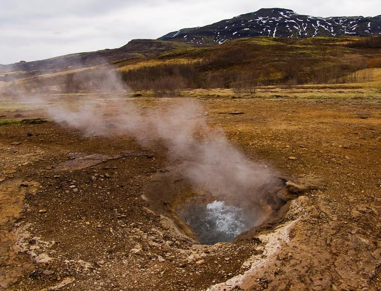Boiling pothole