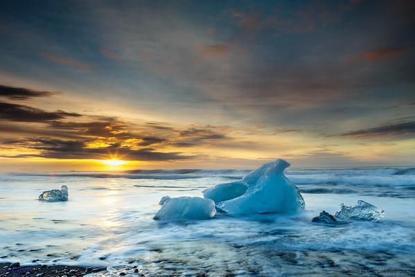 Dawn at Diamond Beach (III)