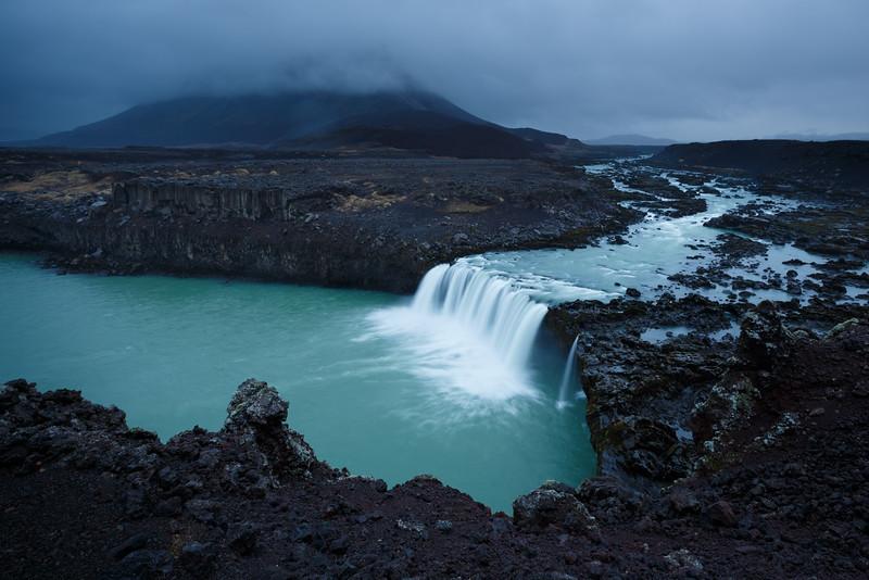 Þjófafoss waterfall with Mt Búrfell