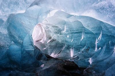 Svinafellsjokul ice cave