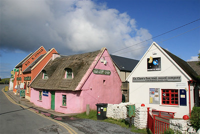 Kleurrijk Doolin. Ierland.