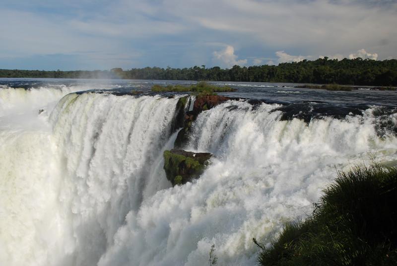 the beginning of Iguazu Falls.