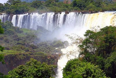 Iguazu Falls;
