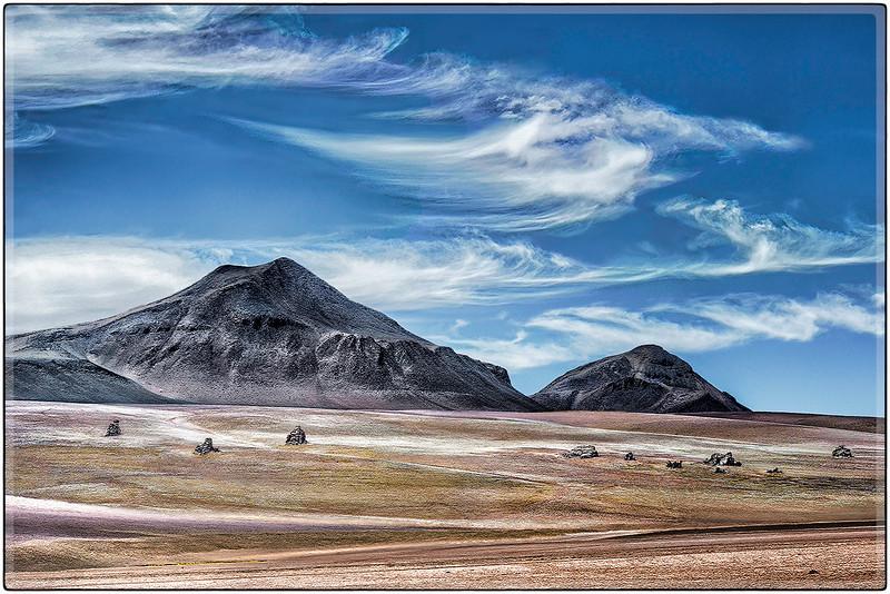 Nubes Sublimes en el Desierto de Dali