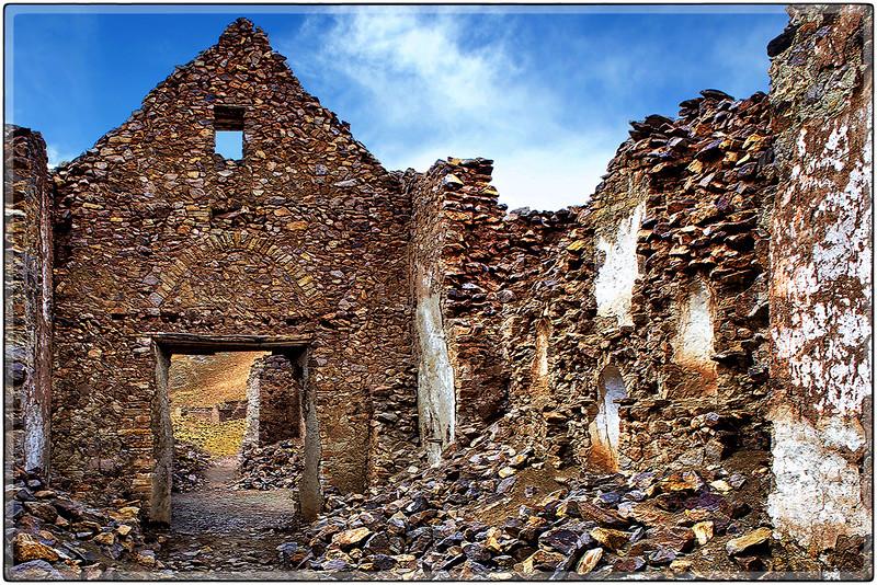 Escombros de La Iglesia