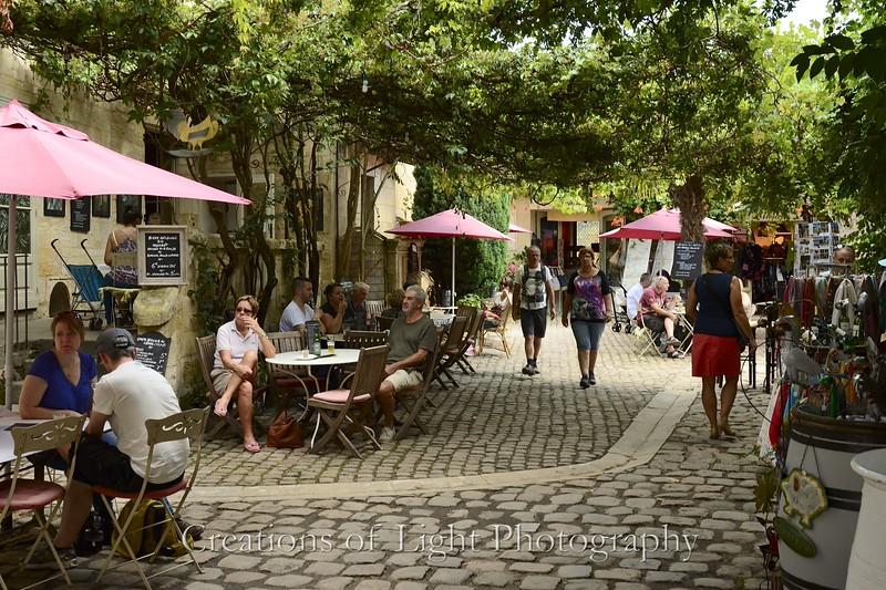 Cafes Shops Restaurants 75