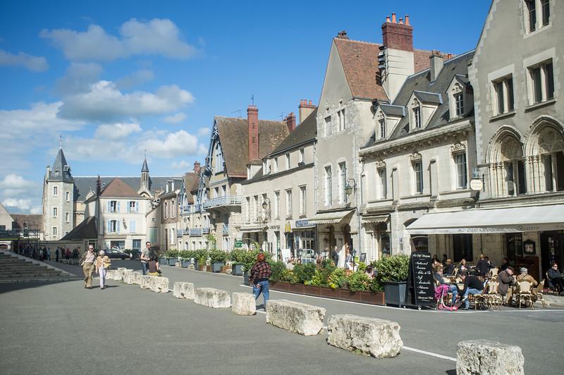 Chartres Village