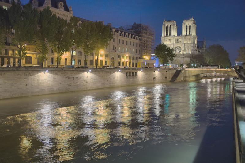 Cathedrale Notre-Dame de Paris across the Seine River