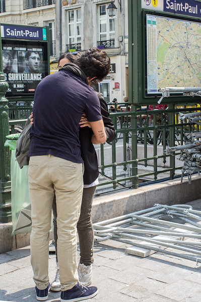 Love in the afternoon - a common sight in Paris