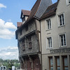 Chartres Village